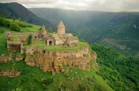 tatec-kloster-armenien--weltweitwandern-slider.jpg